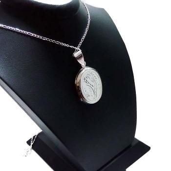 Fotoğraf Albümlü Kalem Desenli Gümüş Oval Kolye